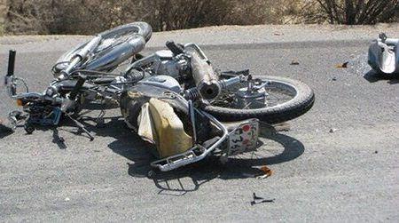 برخورد موتورسیکلت با کامیون در محور بافت سه کشته بر جا گذاشت