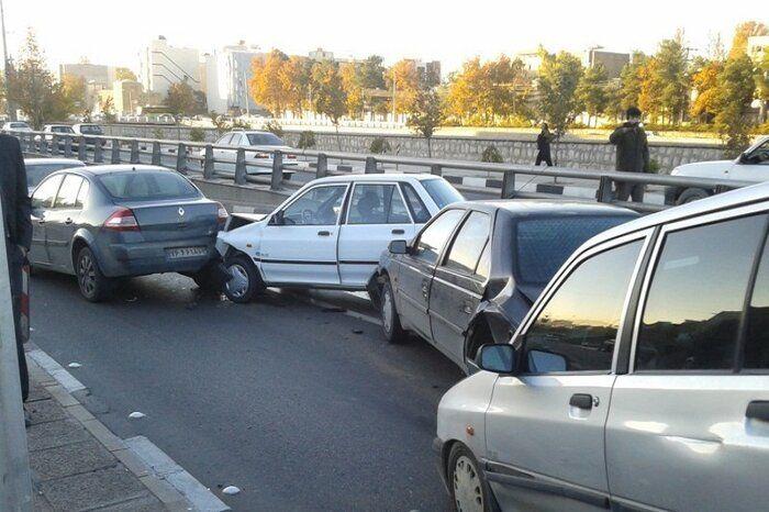 تصادف زنجیرهای در فولادشهر استان اصفهان ۱۰نفر مصدوم داشت