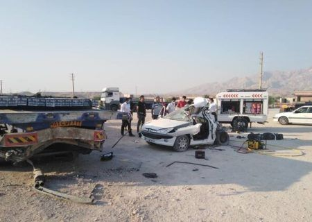 تصادف بوشهر آبدان به کاکی برخورد خودرو پژو با تریلر ۲ کشته و یک مصدوم داشت