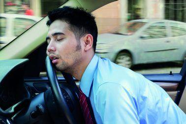 خواب آلودگی راننده از عوامل مهم تصادفات + جلوگیری از خستگی راننده و فناوری های جدید