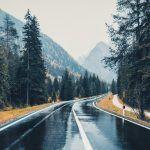 نکات رانندگی در هوای بارانی و جاده لغزنده : روز اول بعد از بارندگی ، روز دشوار رانندگی