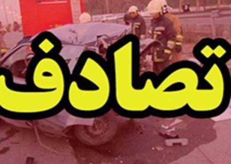 تصادف مرگبار در شیراز باعث مرگ و مصدومیت چهار تن از سرنشینان خودرو شد.