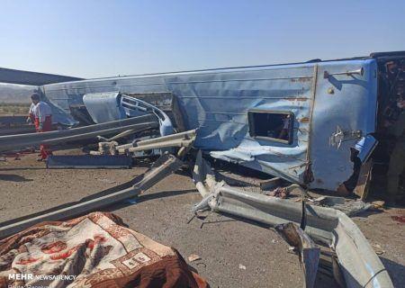 تصادف مرگبار اتوبوس در کرج – قزوین ۱۴ مصدوم و یک کشته برجا گذاشت