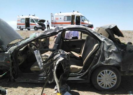 تصادف مرگبار خاش-سراوان یک دستگاه خودروی سمند با ۳ نفر سرنشین واژگون شد.