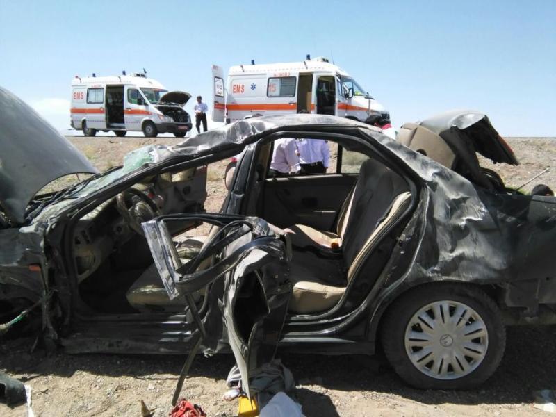 تصادف مرگبار خاش-سراوان یک دستگاه خودروی سمند با 3 نفر سرنشین واژگون شد.