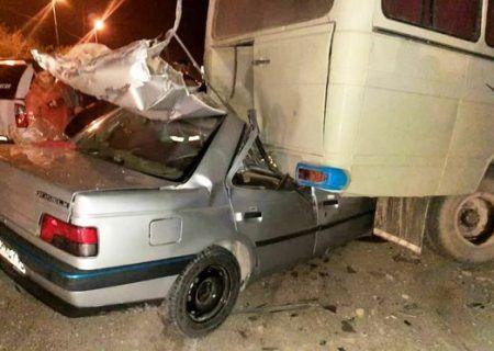 تصادف مرگبار کرمان در اثر برخورد پژو با مینی بوس جان ۲ برادر را گرفت