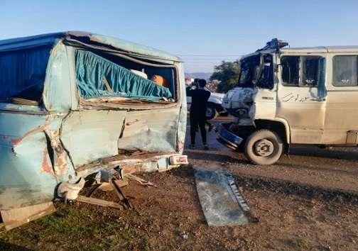 تصادف زنجیره ای در مسجد سلیمان ۳۰ نفر را راهی بیمارستان کرد