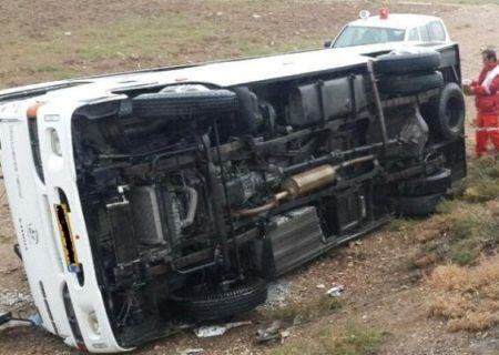 واژگونی مینی بوس در نکا ۱۱ مصدوم برجای گذاشت