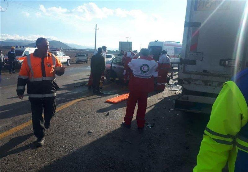 تصادف سواری با کامیون ۲کشته و۳مصدوم داشت