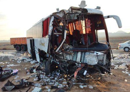 تصادف اتوبوس با تریلی در محور دامغان – سمنان