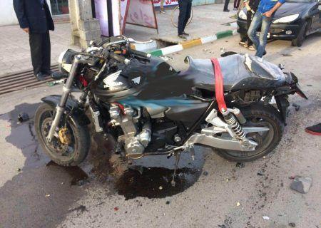 فوت موتورسیکلت سوار در برخورد با تیر چراغ برق