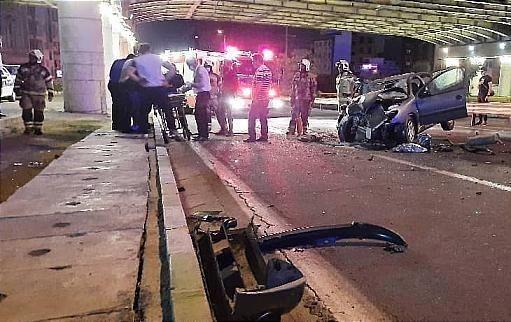 خبر تصادف مرگبار امروز  یک دستگاه خودروی سواری پژو 206 با کامیون