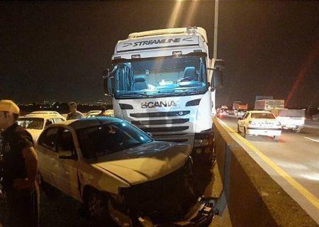 تصادف مرگبار امروز تهران-ساوه بین  کامیون 18 چرخ و سه خودرو سواری دیگر