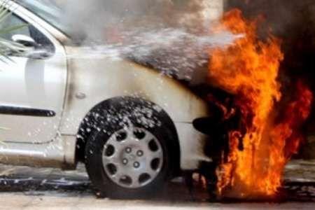 تصادف مرگبار زنجان-تبریز منجر به در آتش سوختن سرنشین سواری پژو ۲۰۶ گردید