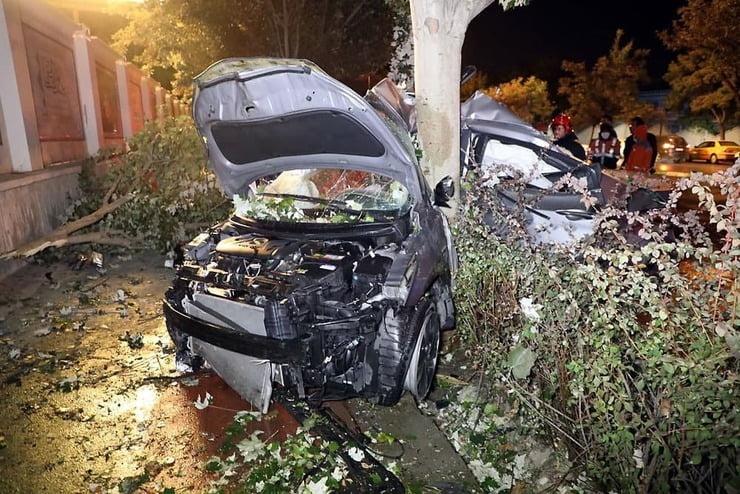 تصادف امروز مشهد منجر به فوت یک نفر و مصدوم شدن یک نفر دیگر شد